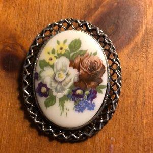 Flower pin/pendant